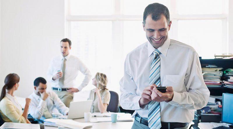 Si también piensas que mejorar la gestión de documentos comerciales de la empresa es un punto muy importante que no se puede olvidar, consulta estas recomendaciones de cómo convencer a tu empresa para qué se implante una aplicación móvil de gestión documental